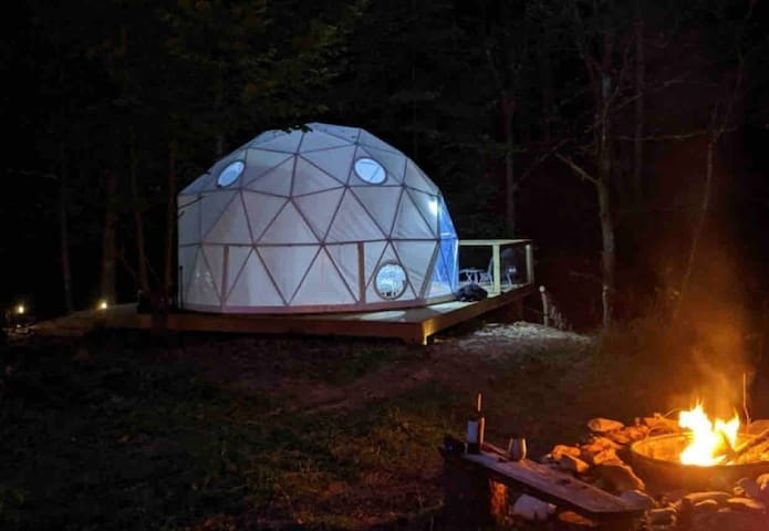 Glamping Unplugged Dome on trout stream: Boone NC