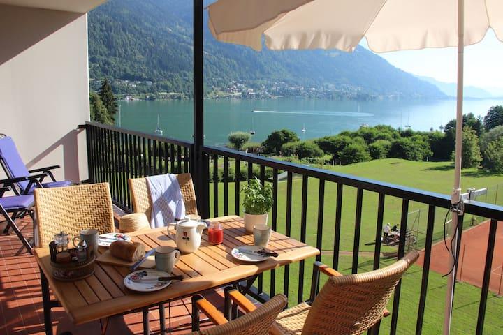 Vom Bett in den See, dann Kaffee mit Blick