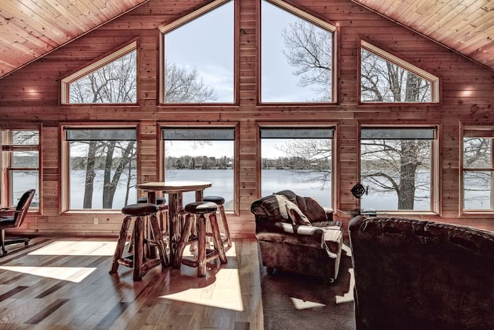 The Boathouse Cabin @ McCann Lake