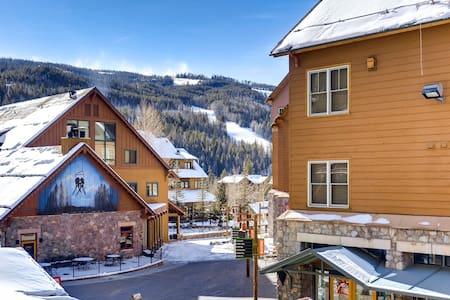 ★ KEYSTONE CONDO ★ Ski in/out ★ RiverRun Village!