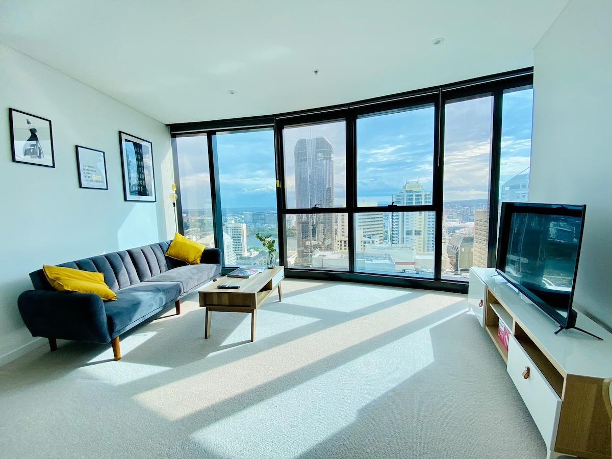 BNE CBD Wheel & Riverview KING Bedroom Apartment