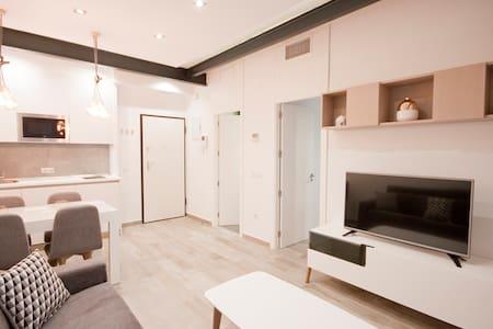 Deluxe &brand new apartment in SOL-Gran Via