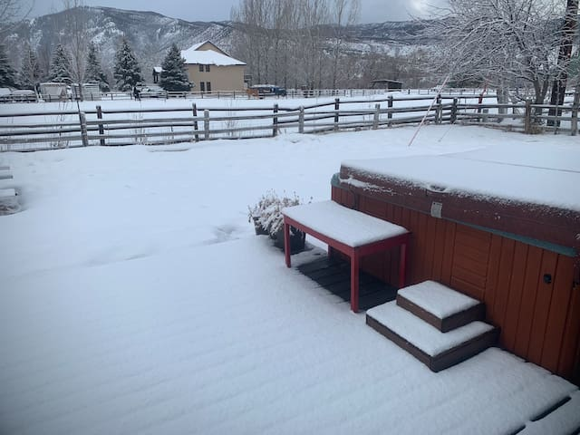 Gourmet Farmhouse views and comfort in Willits, CO