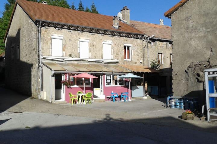 Usclades-et-Rieutord的民宿