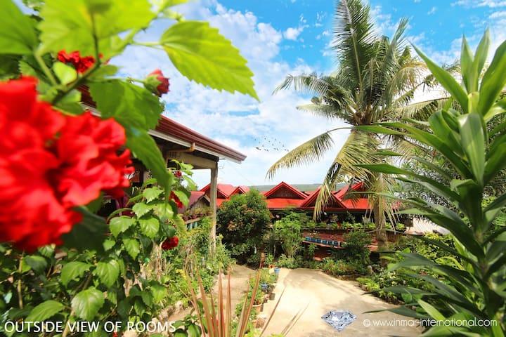 Seaside Guesthouse - Sampaguita Room for 6 Guests