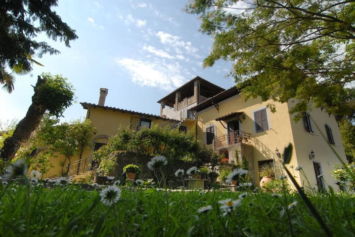 Collevecchio的民宿