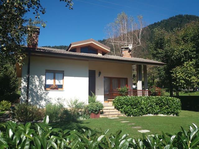 Arta Terme的民宿