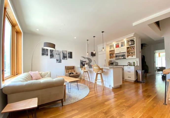 Clean 1 Bed + Private Bath  Entrepreneurs House