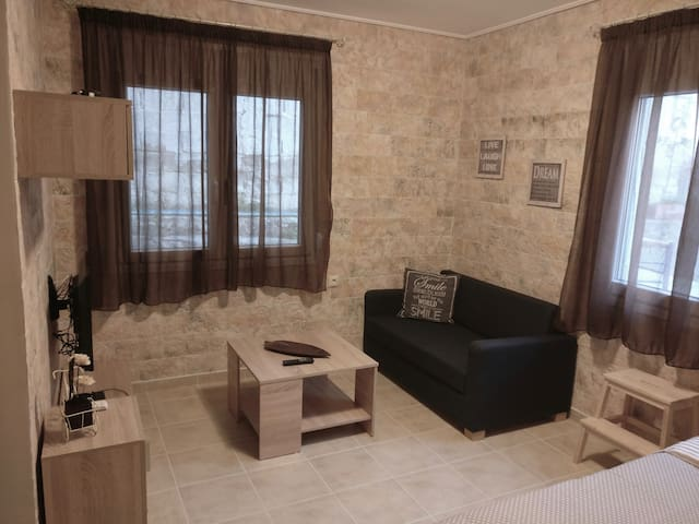 Διαμέρισμα στο κέντρο δίπλα στην παραλία , WiFi !