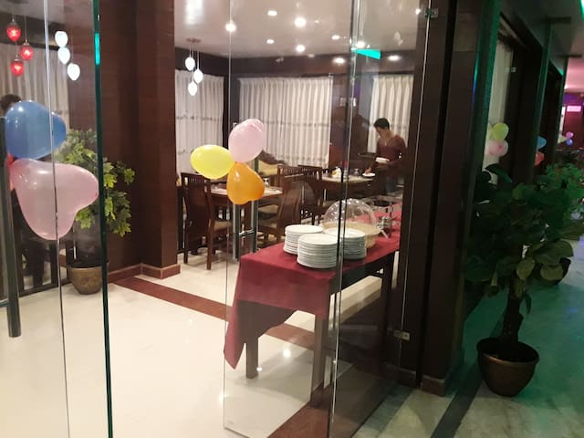 Deluxe room 3