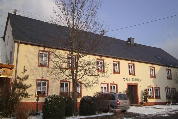 Morbach-Riedenburg的民宿