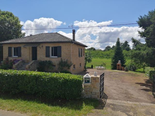 Calviac-en-Périgord的民宿