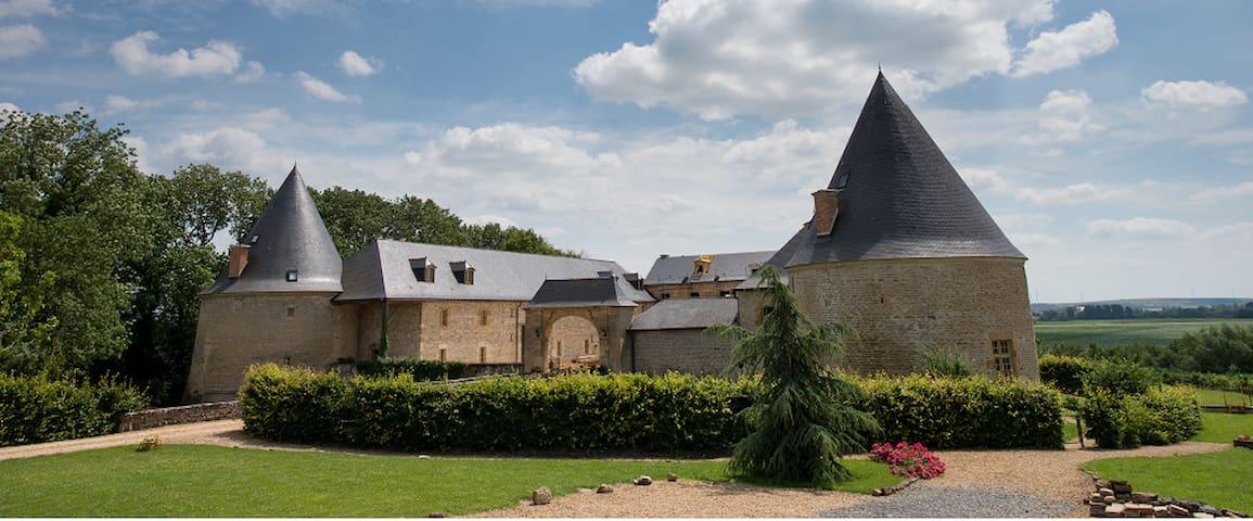 Charbogne的民宿