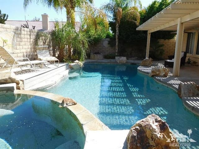 Country Club House Desert Oasis, Private Pool, SPA