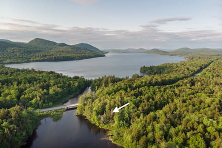 Privacy, Romance & Stunning Views at Camp Stardust
