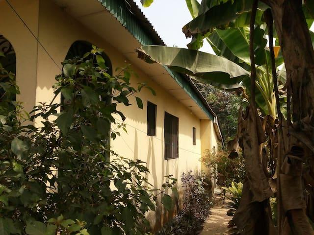 Warri的民宿