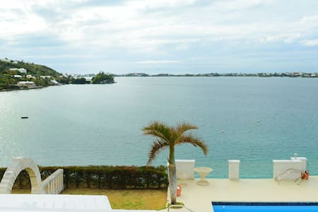 1 Bedroom With View Near Beach!!!