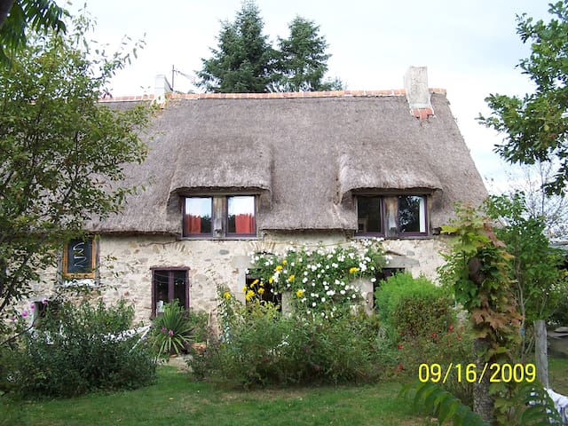 Saint-Étienne-aux-Clos的民宿