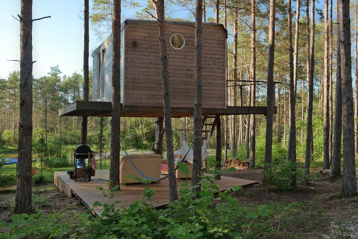 A unique treehouse for two