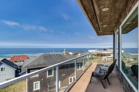 Oceanview home w/ a private hot tub & two decks, 200 feet from beach access!