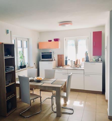 Helle, ruhige und saubere Wohnung auf dem Land!!!