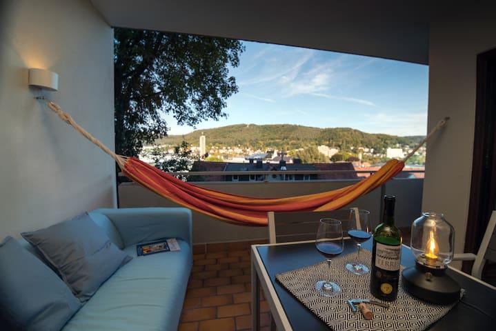 Stilvolle FeWo - geräumig mit Balkon und Whirlpool