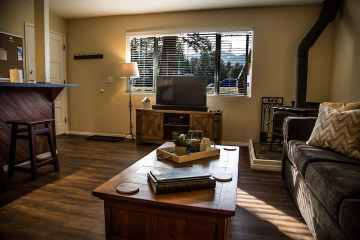 Mammoth Lakes Central, Pet Friendly, 1 BR Condo