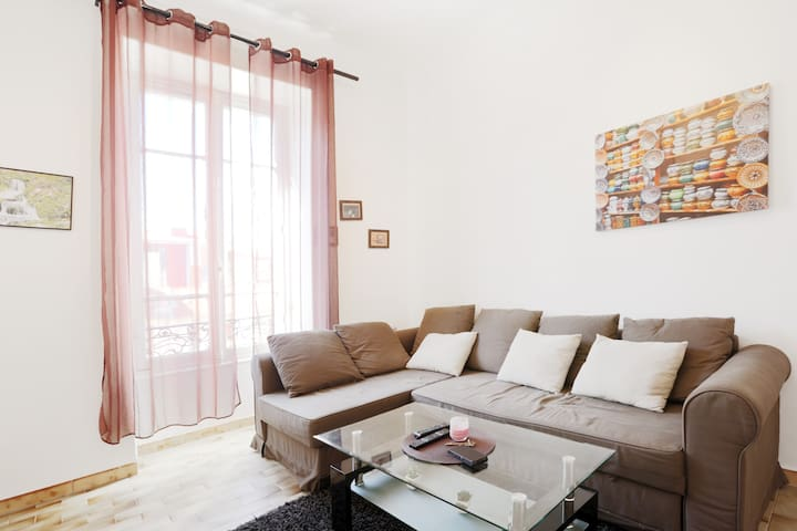 Lovely apartment in the center of Nice.