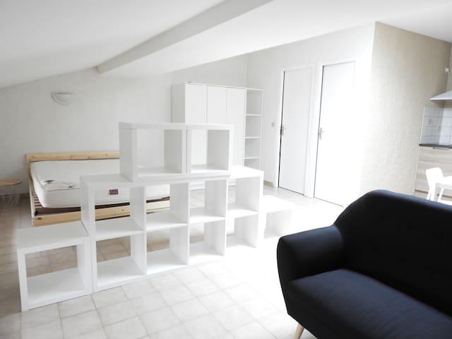 studio 35 m2 idéal pour visiter région