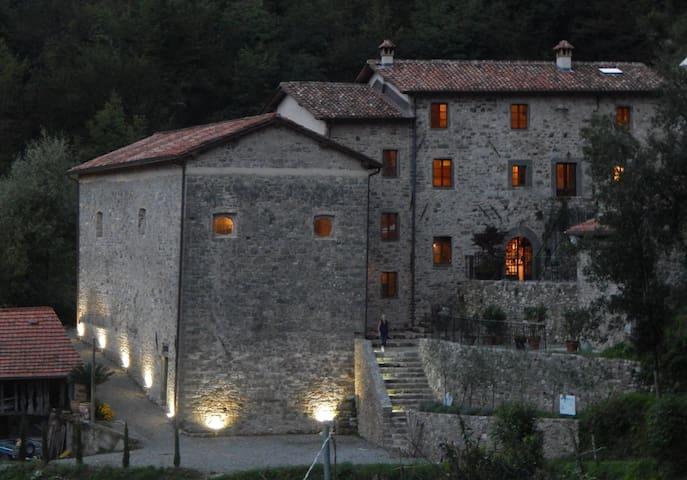 Fabbriche di Vallico的民宿