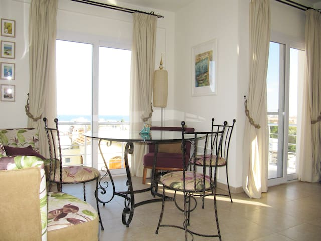 ♥ SEA VIEW PENTHOUSE ♥ Best Rates and Ratings ♥
