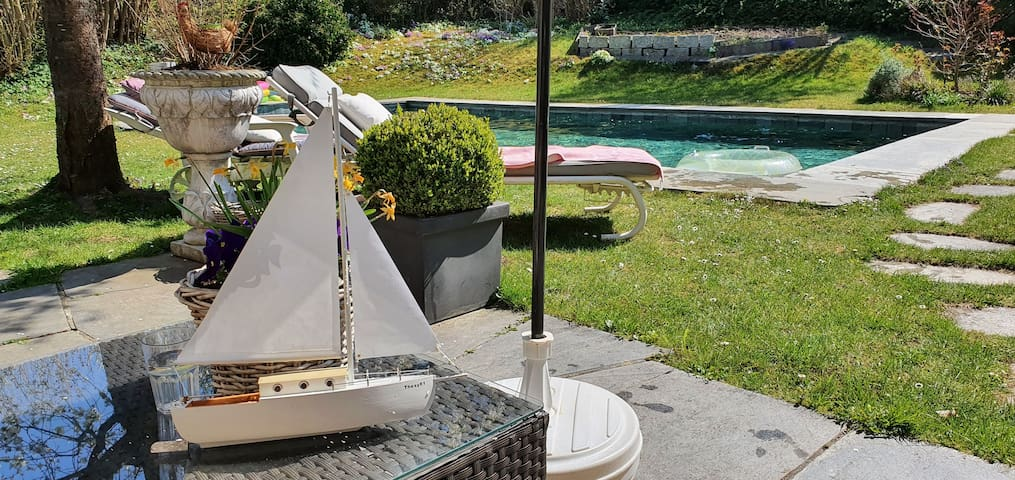 BIG lakeside appt for upto 4 adults sauna and pool