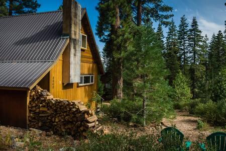 Cozy Room in Tahoe City Cabin