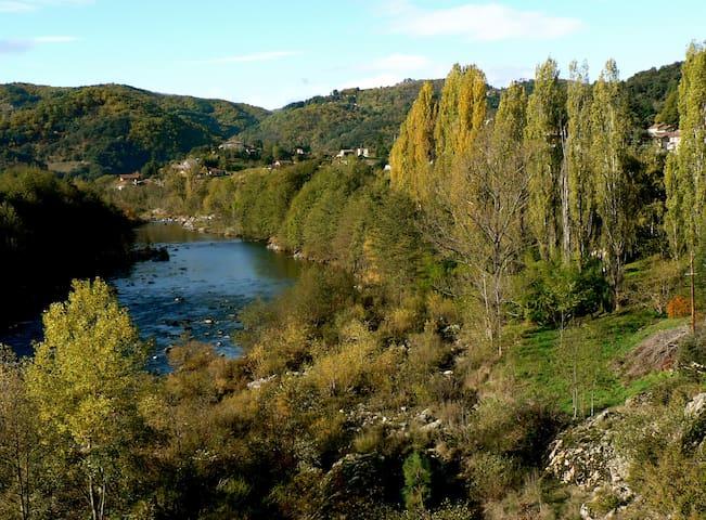 Pont-de-Labeaume的民宿