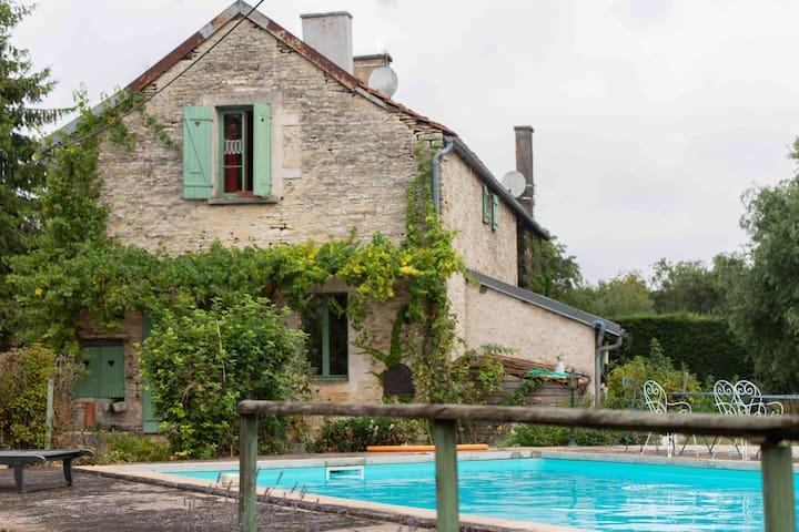 Is-sur-Tille的民宿