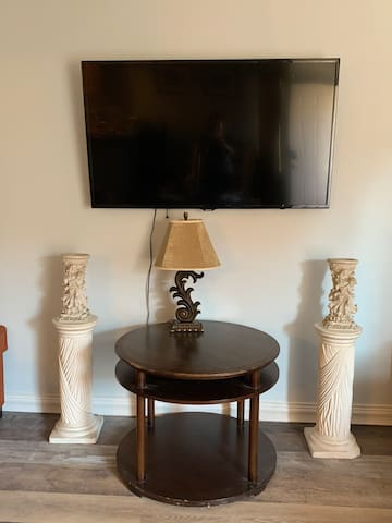 ENTIRE NEWLY BUILT CONDO 2 BEDS 2 BATHS
