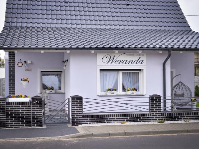 Sulechów的民宿