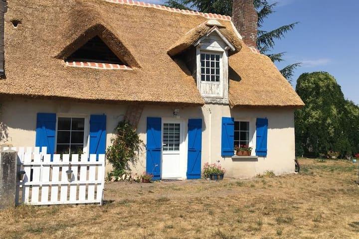 Donnemain-Saint-Mamès的民宿