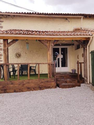 La Peyratte的民宿
