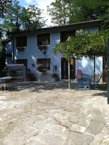 Borgo a Mozzano的民宿