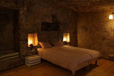 Quiet Cave Room in luxurious nature of GranCanaria