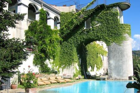 Agriturismo,B&B,Hotel,Villa and more Paestum for 2