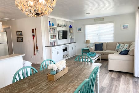 Many updates, 3 minute walk to beach, pets welcome