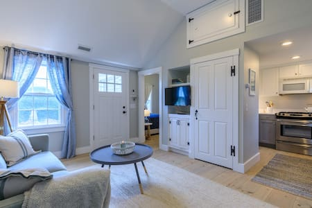 Updated Nantucket Cottage with Private Yard