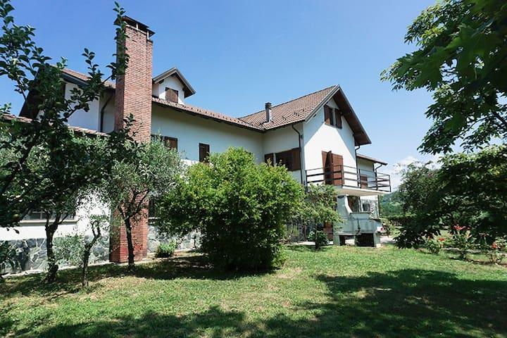 HOME HOLIDAY LA SELVA, camera/villa