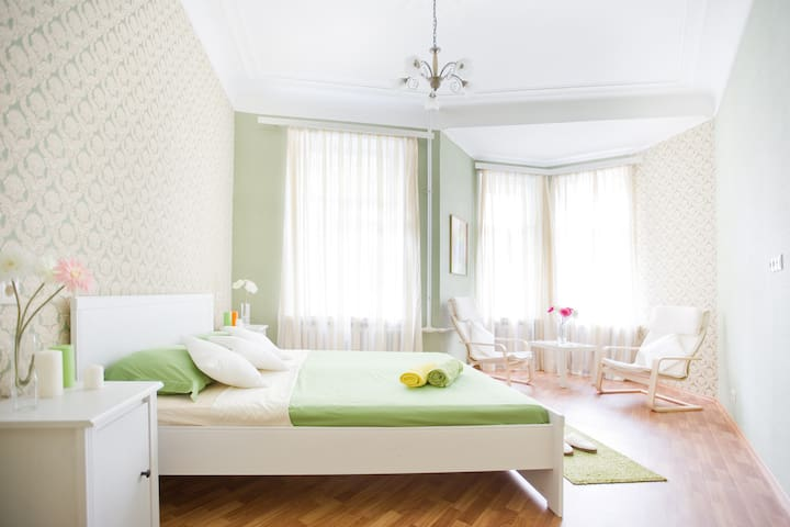 Pertsov House~History of the Saint-P ~3 bedrooms