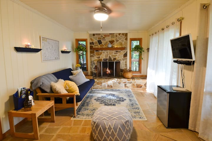 Romantic Getaway with Hot Tub, Fireplace, & more!