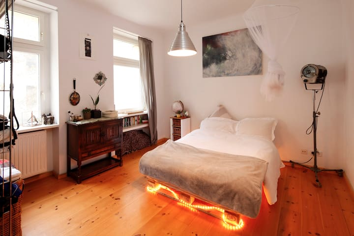 Queer Friendly Apartment in the Heart of Neukölln