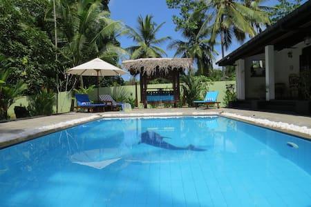 Villa Sapphire, Private Pool, A/C, WiFi, Sleeps 6