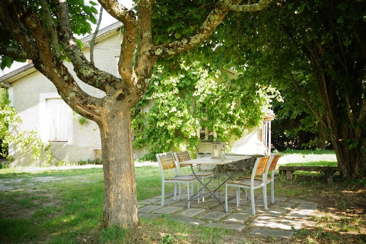 Le Narcisse 3 persons Holiday Cottage